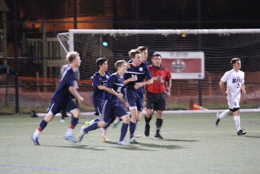 Boys varsity soccer team ends 2014 campaign, bids farewell to seniors