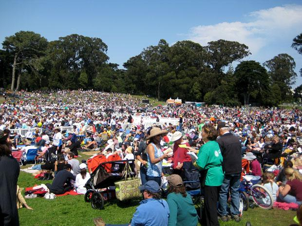A record crowd of 11,000 gathers in Golden Gate Park in San Francisco on Sept. 11 to listen to the SF Opera and religious leaders. The musical selections included Mozart's Requiem in D.