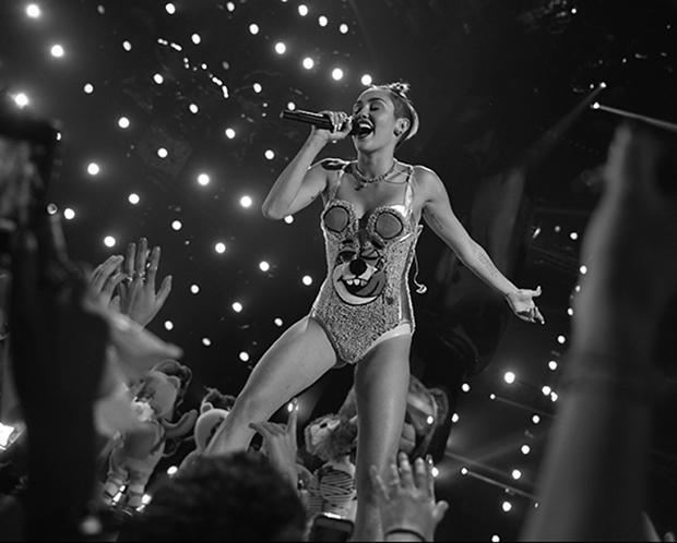 Cyrus performs