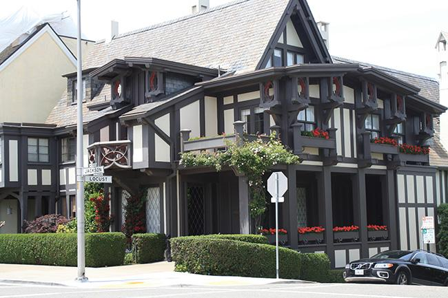 This house, located on the corned of Jackson St. and Locust St., was designed by famous Bay Area architect Bernard Maybeck.