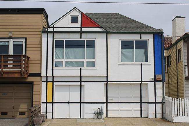 Located at 2140 La Playa St., only blocks from Ocean Beach, this house mimics the artwork of famous artist and prominent figure in the Modern Art movement, Piet Mondrian.