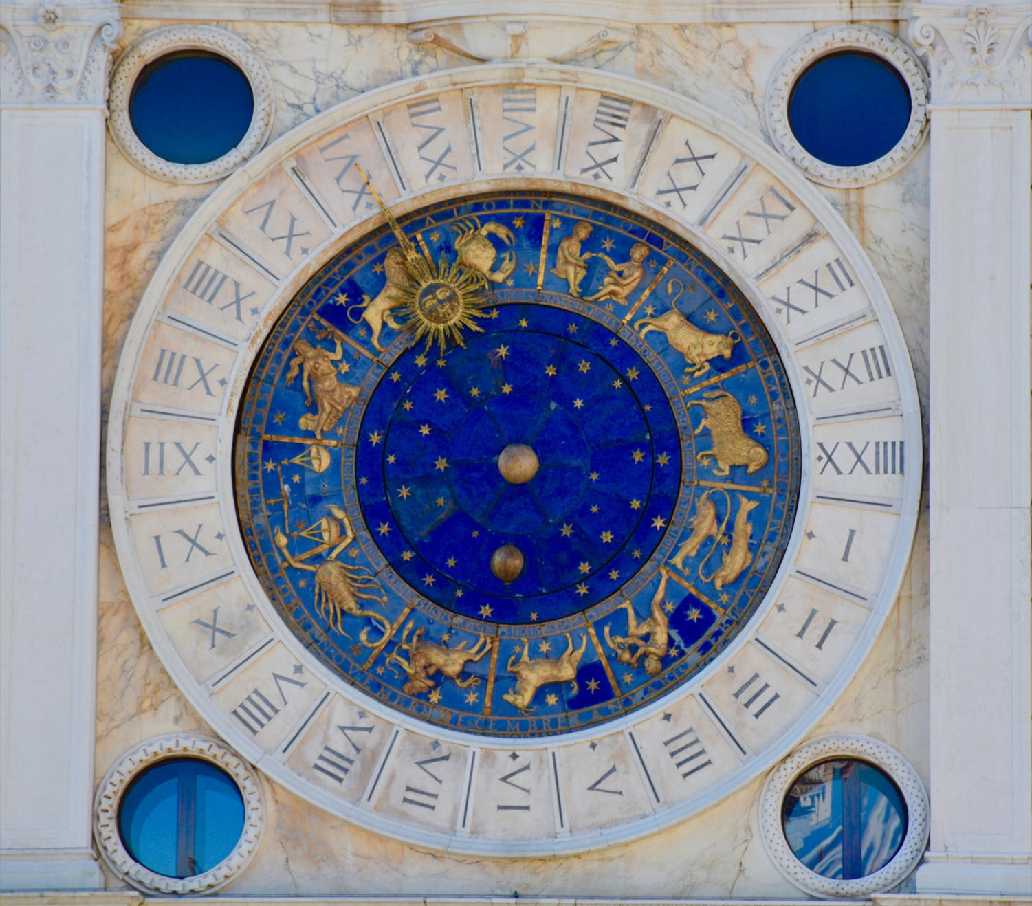 Zodiac public art. Photo credit: Uplash Royalty-Free Images.